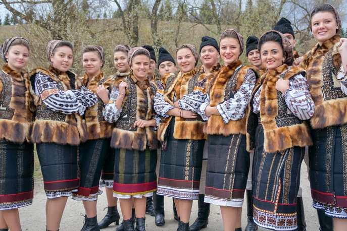 Romanian women in traditional dress