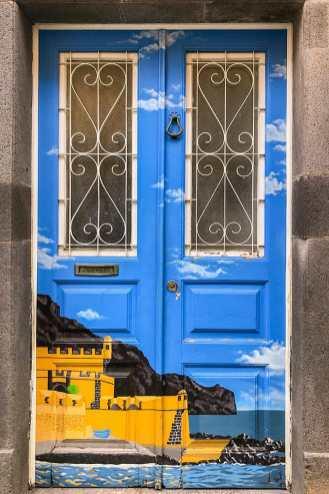 Painted-door-of-Funchal,-Madeira