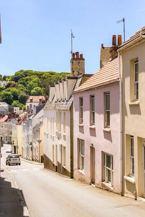 St-Peter-Port,-Guernsey-3