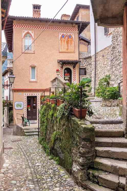Monte-Sacro-de-Varese,-Lombardy-1