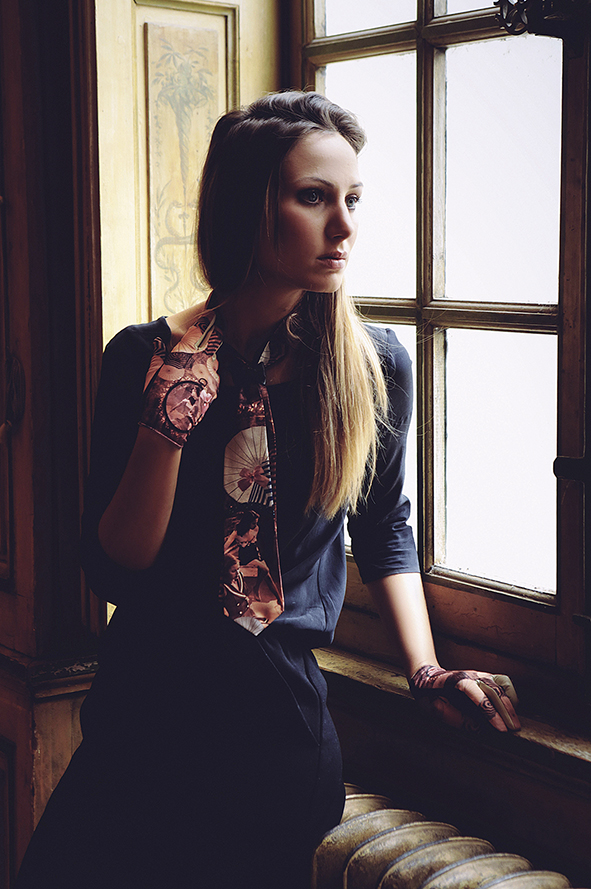 cravate femme beige, rose et bleu