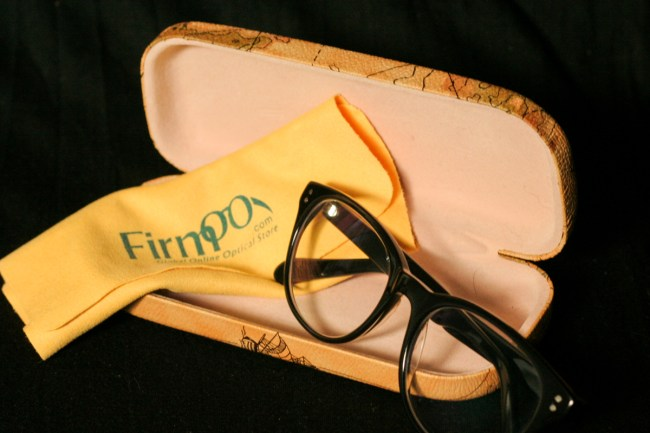 Firmoo Free Glasses & Map Case