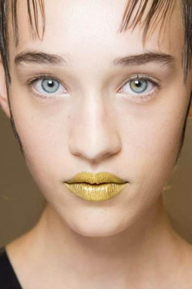 Prada SS16 Gold Lips 1