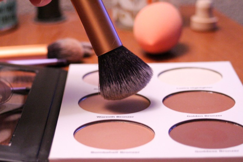 Real Techniques Buffing Brush with Ulta's Contour Palette