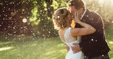 wedding rain kiss color glitter