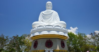 travel asia buddha statue spirituality religion adventure explorer