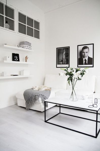 Black White Walls Apartment 1