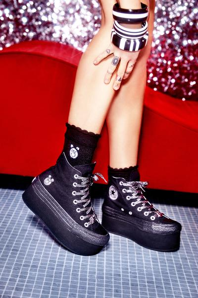 Miley Cyrus Converse Black Platform Hi Top All Stars b0eefa933