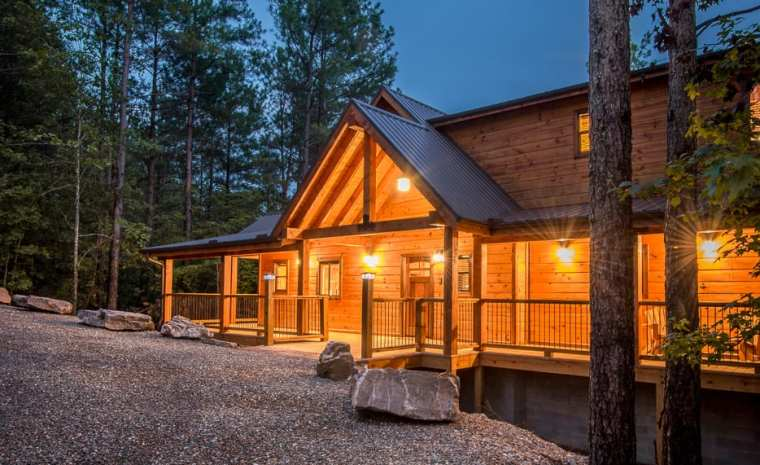 Broken bow lake cabin rentals crystal ridge spa cabin for Vacation cabin rentals in oklahoma