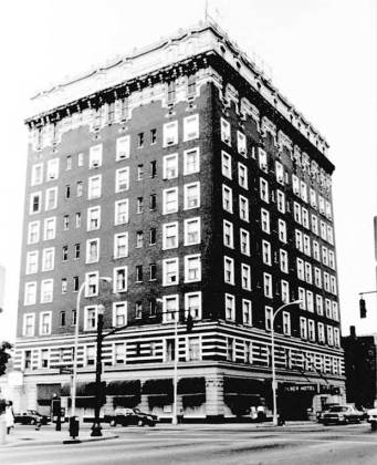 Tyler Hotel in 1987 (National Register)
