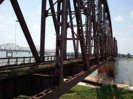 Big Four Bridge today (Courtesy @Downtown_Lou/Twitter)