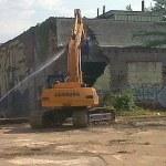 The Vermont American Building under demolition. (Courtesy KYTC District 5)