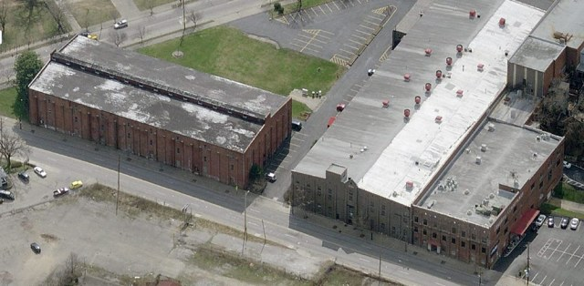 The warehouses of Mellwood Distillery likely appeared similar to these warehouses along Lexington Road at Payne Street. (Courtesy Bing)