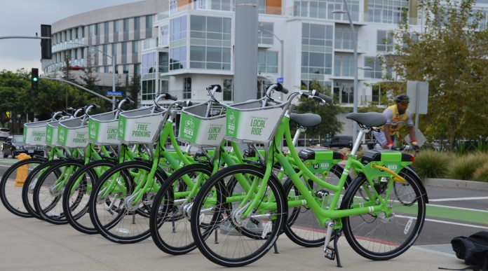 Demo bikes in Santa Monica. (Courtesy CycleHop)