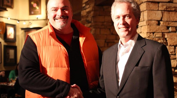 Don Walker, left, and Louisville Mayor Greg Fischer, right. (Courtesy NAHBS)