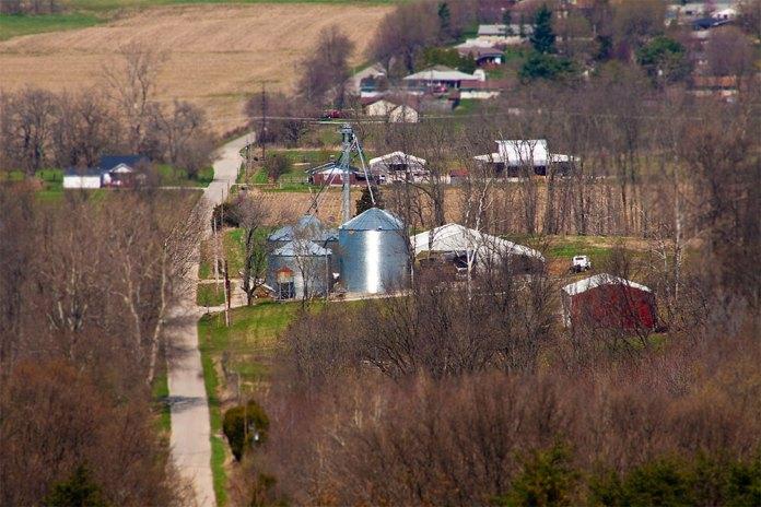 Rural southern Indiana. (Ed Devereaux / Flickr)