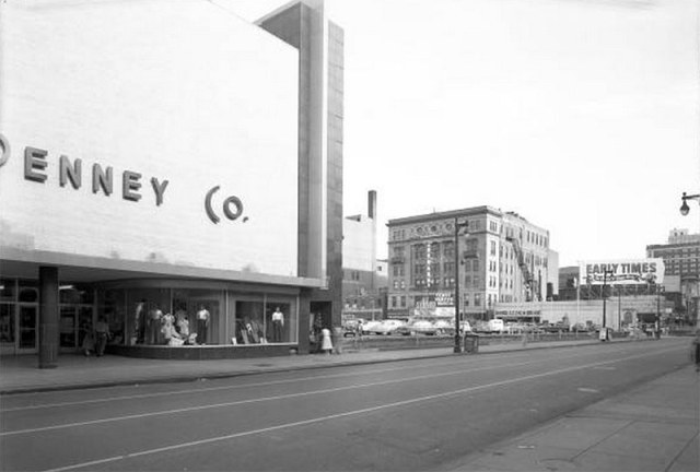 For a time, the J.C. Penney building stood alone on the block, with the rest of Lincoln Park being turned into a surface level parking lot. (UL Photo Archives)