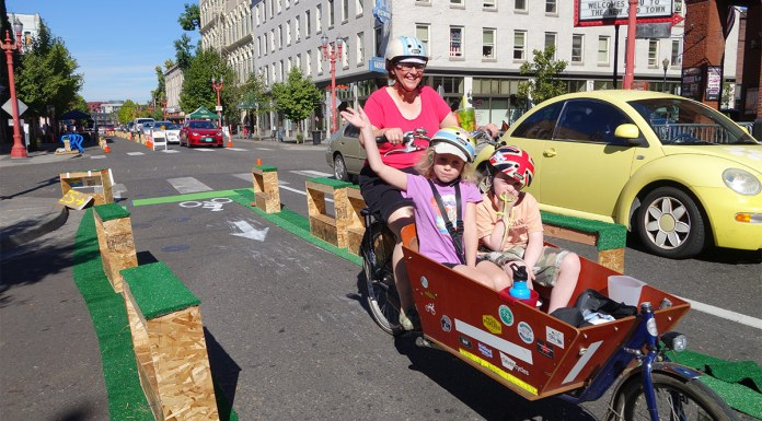 A three-day test of a protected bike lane on SW 3rd Avenue in Portland, Oregon. (Greg Raisman / Flickr)