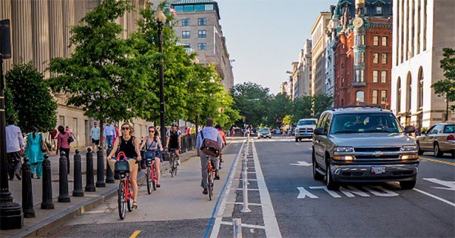 Washington, D.C., was a national pioneer in protected car lanes. (Courtesy PeopleForBikes)