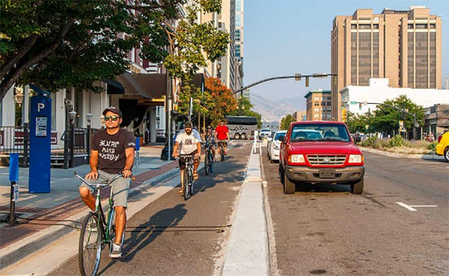 bike-lanes-good-for-business-04
