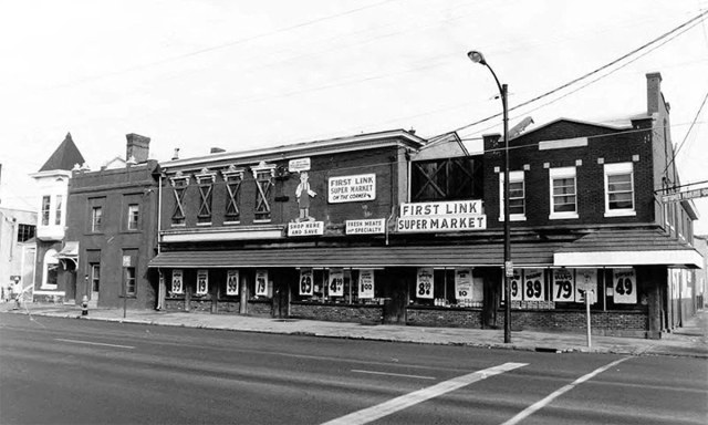 The site of the First Link grocery store at Shelby and Market streets circa 1980. (via NRHP / NPS)