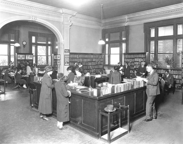 Inside Louisville's Western Branch Library in 1927. (Courtesy UL Archives - Reference)