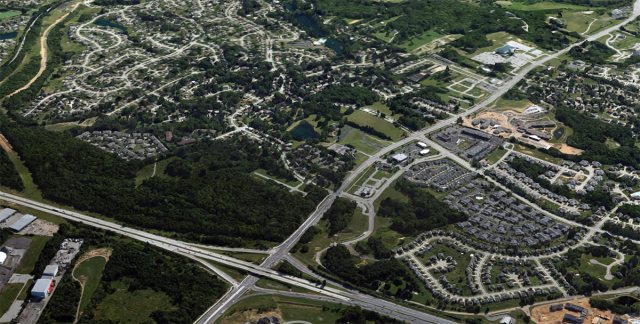 The Gene Snyder Expressway and the sprawling development it helped spur. (Courtesy Google)