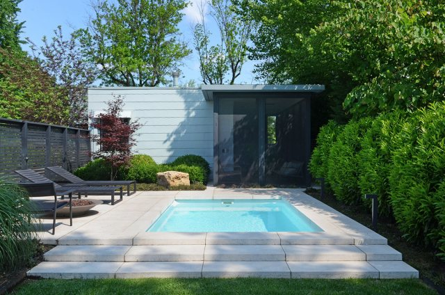 A new swimming pool and screened-in porch at the Gilbert House. (Courtesy Architectural Artisans)