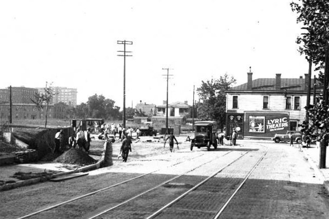 Looking south on Seventh Street toward Kentucky. Eclipse Park has been removed (left) and the corner building we're discussing is pictured at right. (Courtesy UL Archives - Reference)