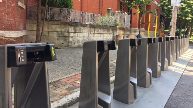 A bike share station on Garvin Place in Old Louisville. (Erin O'Neil)