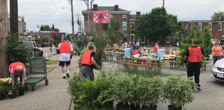 Preparing for Better Block Shelby Park. (Courtesy Three Points Beautification)