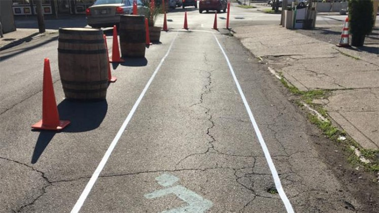An impromptu bike lane on Oak Street. (Courtesy Center for Neighborhoods)