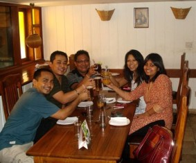 It's so wonderful to catch up with old friends after a long time. Happy moments.