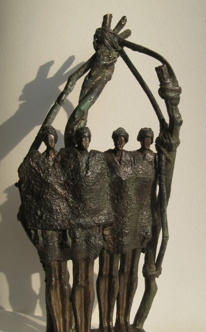 """Bronzen beeld - Unica - symbool voor generaties, Collectie """"Connected"""""""