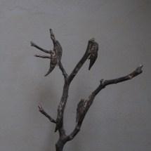 Bronzen beeld PYRUS op sokkel