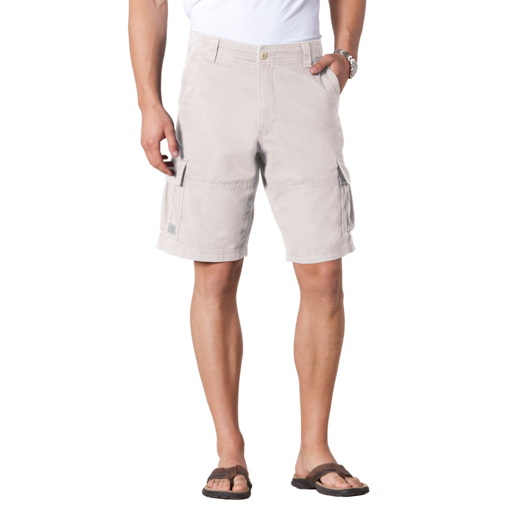 summer looks for men cargo shorts