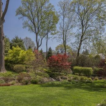 274 Pondfield Backyard