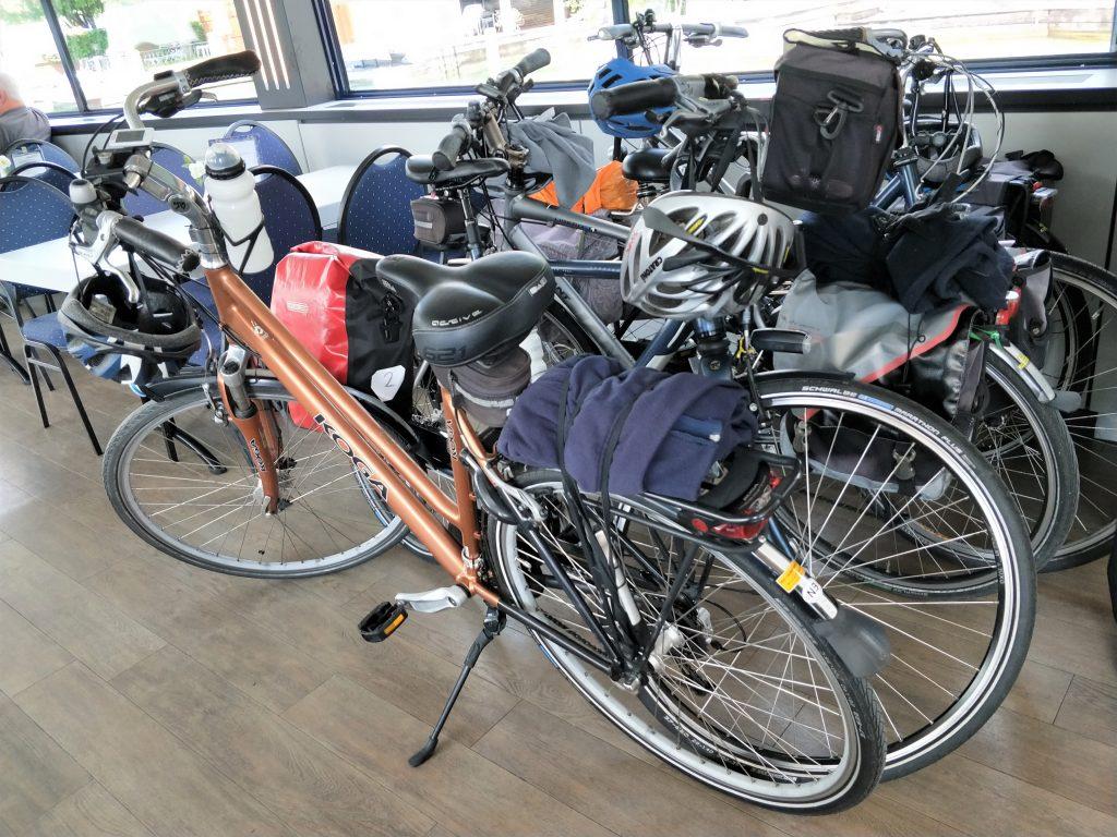 奥地利湖区住宿 - 带脚踏车上渡轮