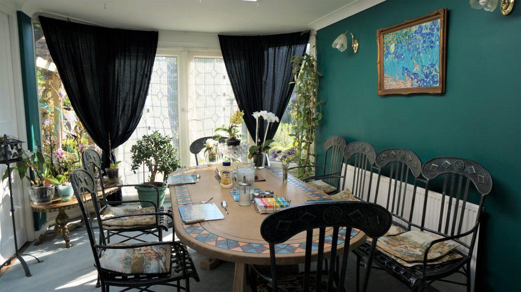 如何挑選暑假遊學團 - 住宿家庭飯廳