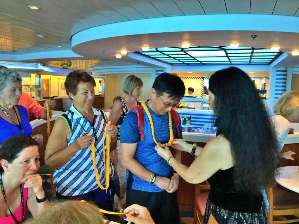 郵輪海上日 - 在郵輪上學夏威夷編織