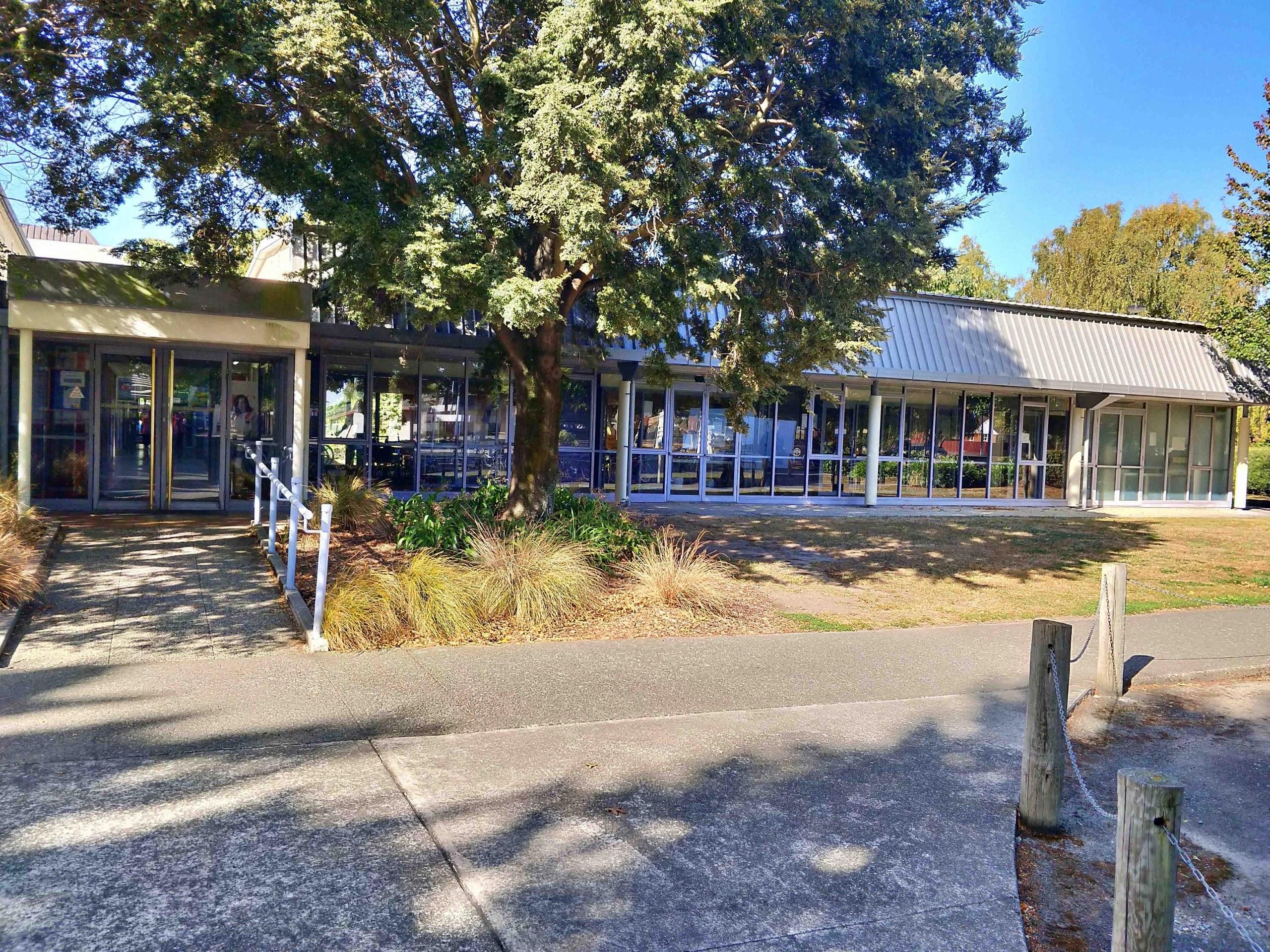 銀髮族遊學 - Christchurch College of English - CCEL