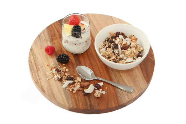 Yoghurt met fruit of granola