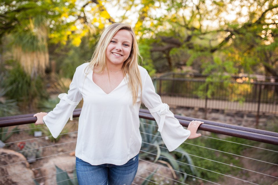 dreamy desert senior portraits at botanical gardens
