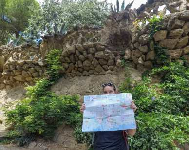 Katy attempting to navigate us our Parc Güell