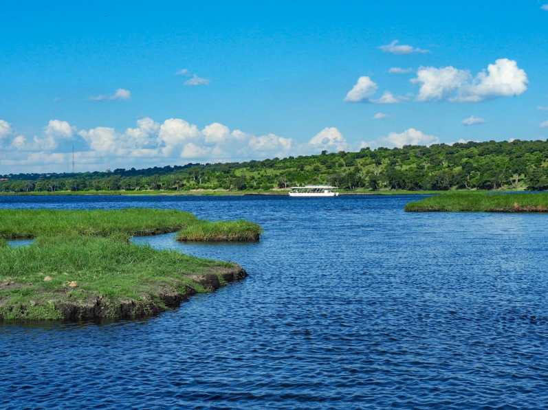 Cruising along the Chobe River