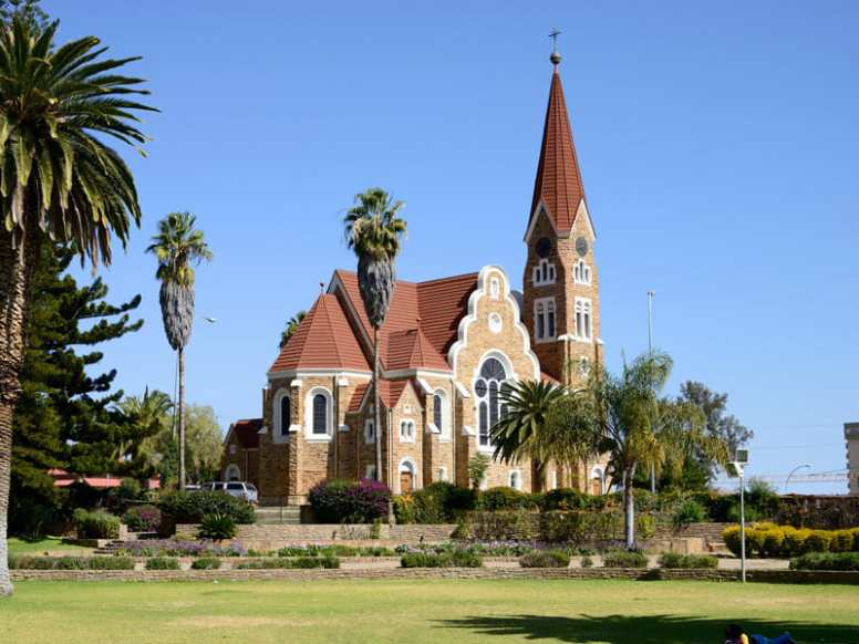https://www.lastminute.com/flights/windhoek