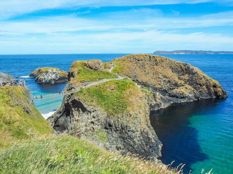 Carrick-a-Rede island looking very Mediterranean