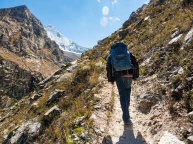 Leonardo leading the way to Huandoy Viewpoint