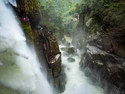 Paílón del Diablo Waterfall Baños