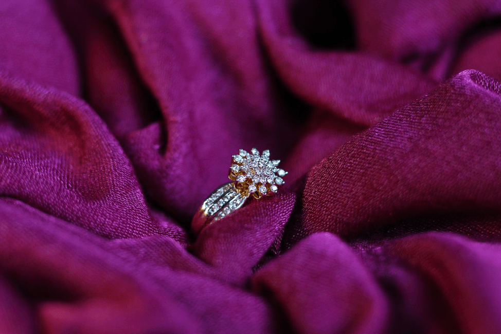 Choosing A Style Of Engagement Ring That Will Blow Her Away